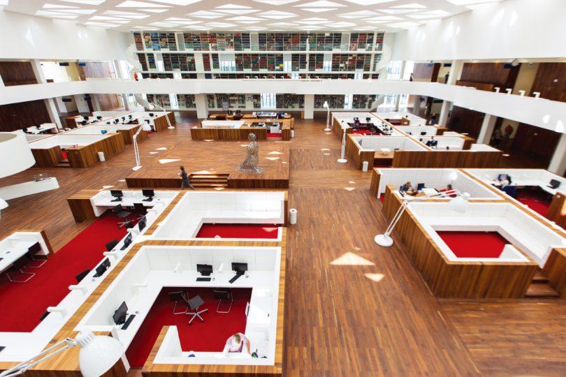 エラスムス大学(オランダ)